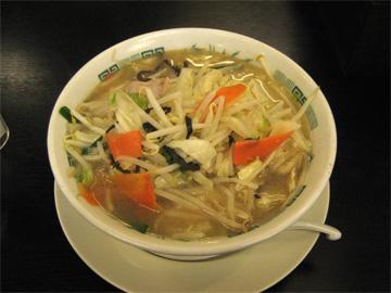 中華食堂日高屋の野菜たっぷりタンメンです。