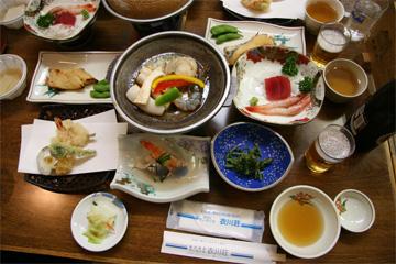 衣川荘の夕食です。