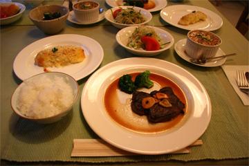 夕食は岩手牛のステーキです。
